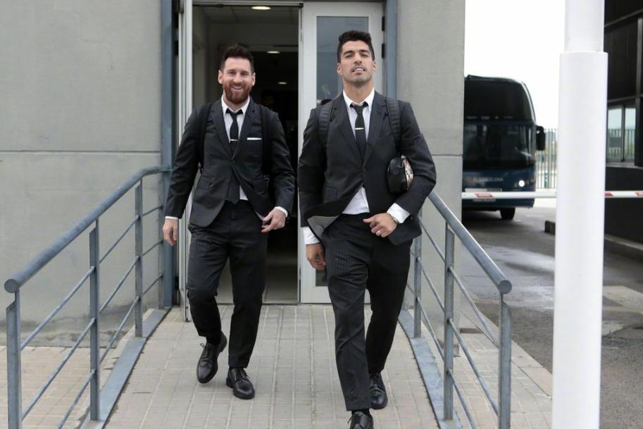 巴塞罗那全体球员抵达布拉格,欧冠第3轮巴萨客战布拉格斯拉维亚