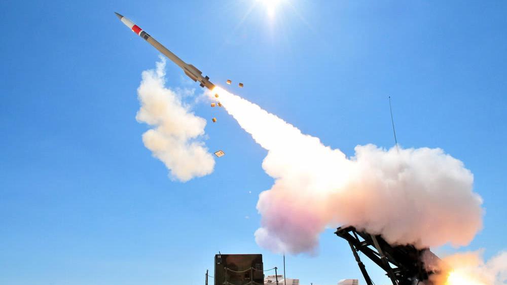 爱国者最新型号,成功拦截两枚弹道导弹,沙特人:骗钱也请认真点
