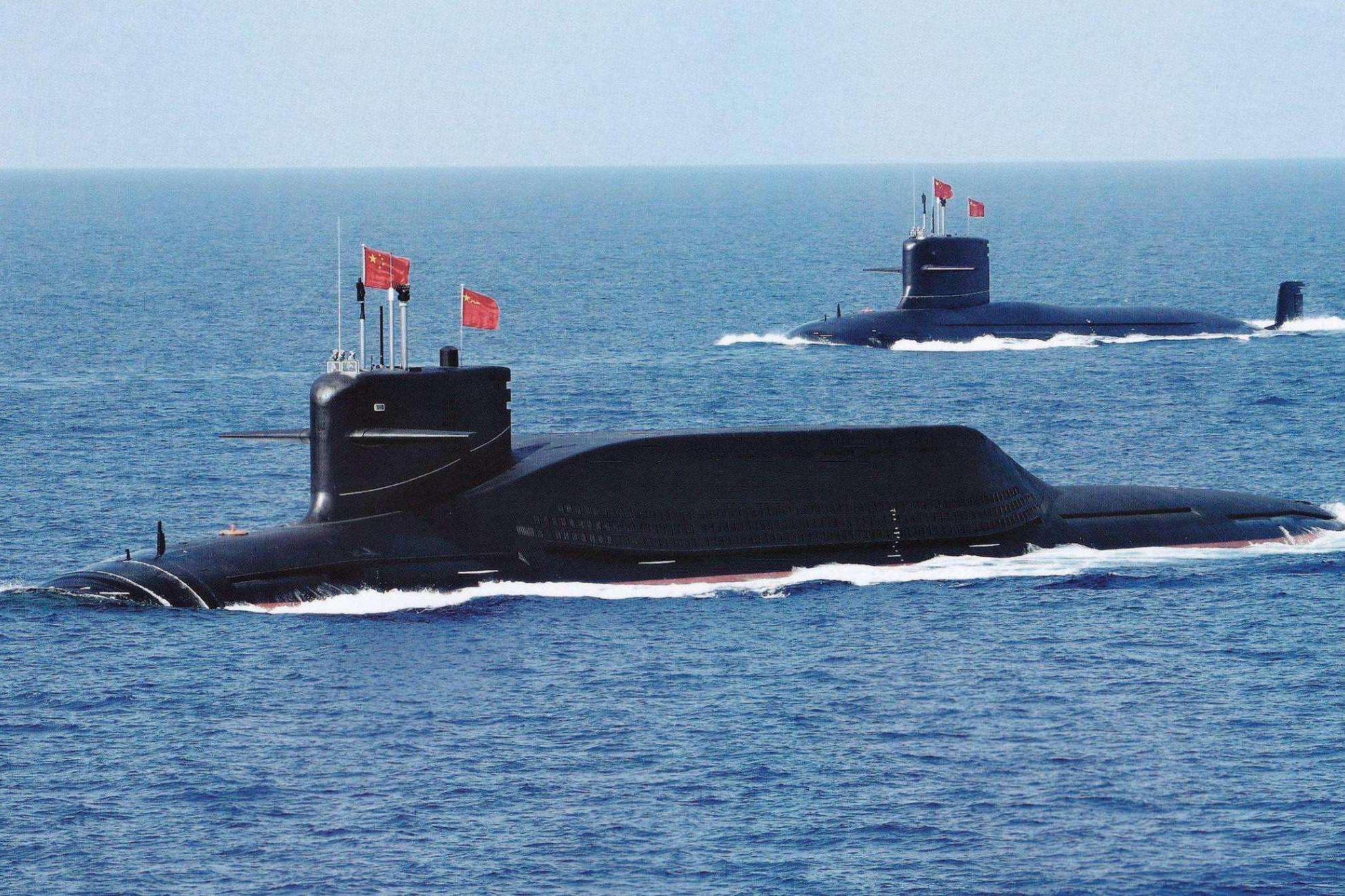 """核潜艇""""华山论剑""""!水下""""闭气""""实力差好多,中国打破世界纪录"""