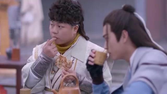 从前有座灵剑山:王陆看见师姐生气,直接用饼去哄,这招百试百灵