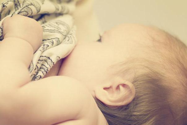 宝宝牛奶蛋白过敏该如何喂养?宝妈同样需要规避过敏原