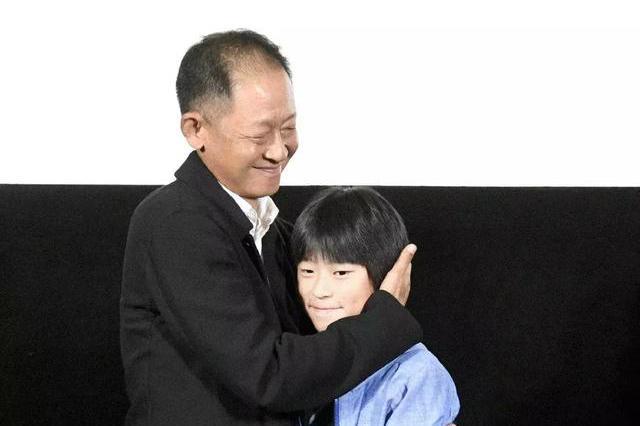 父亲是王志文,他11岁演电影被赞有天赋,撞脸易烊千玺帅气十足