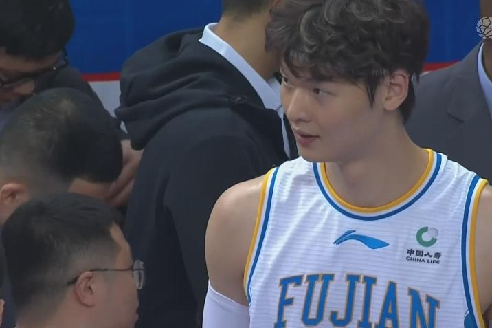 中国男篮福建队VS八一队,福建男篮大比分战胜八一队,122-101