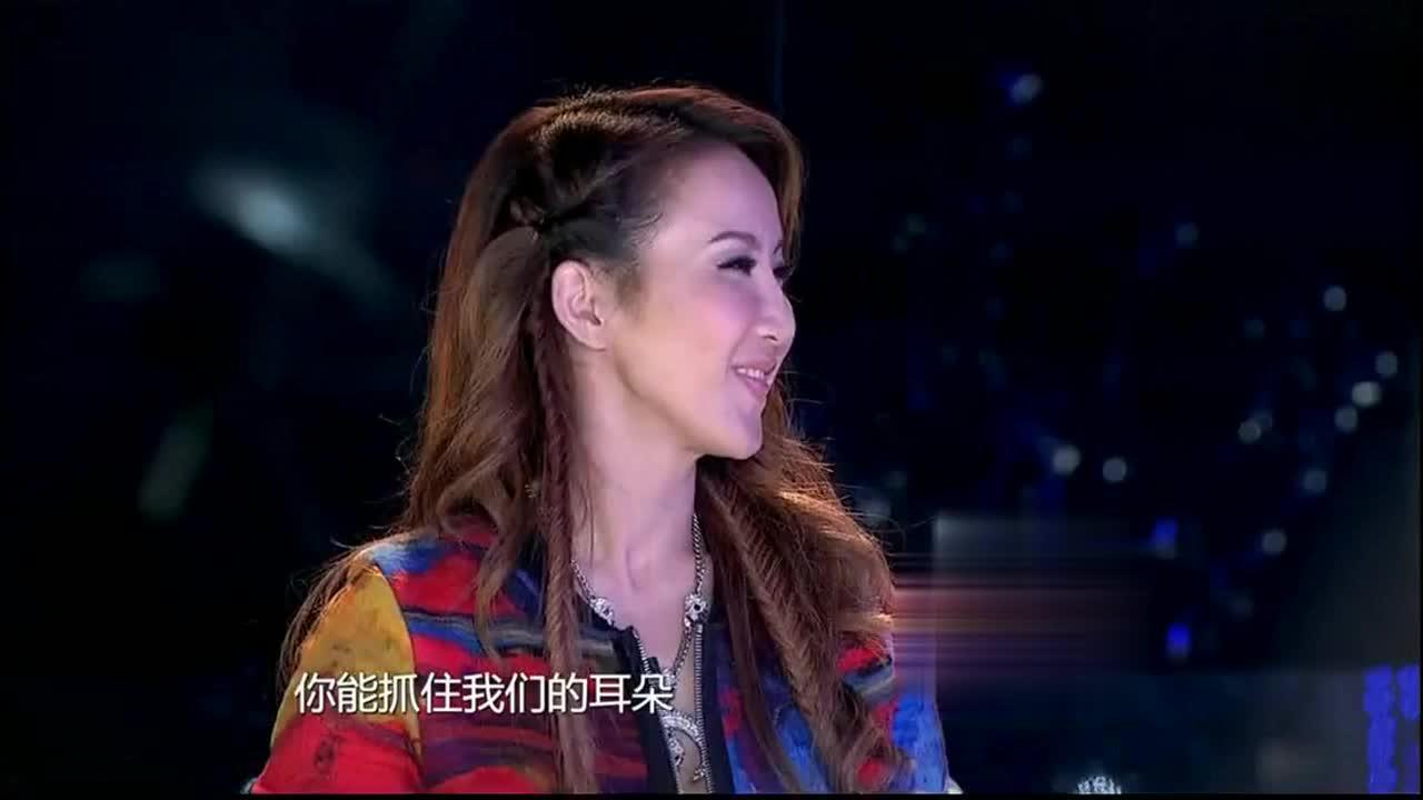中国梦之声小伙上台表演舞跳的是真好唱歌就不敢恭维了
