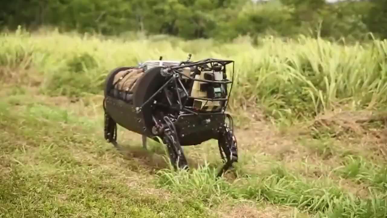 美军研发世界首款机器马翻山越岭无所不能颠覆战争规则