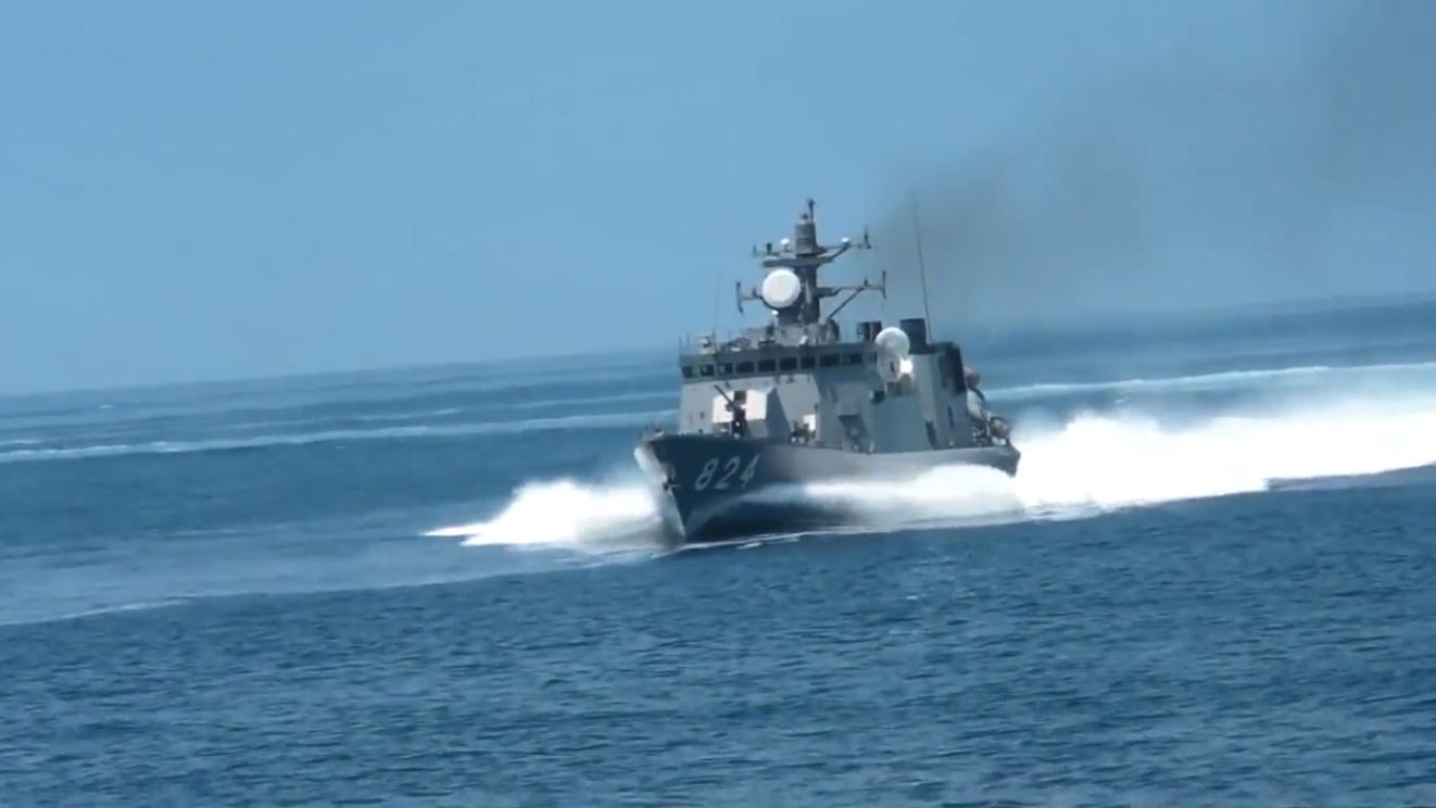 日本隼级导弹艇全速前进,航速高达44节,造价约7000万美元一艘!