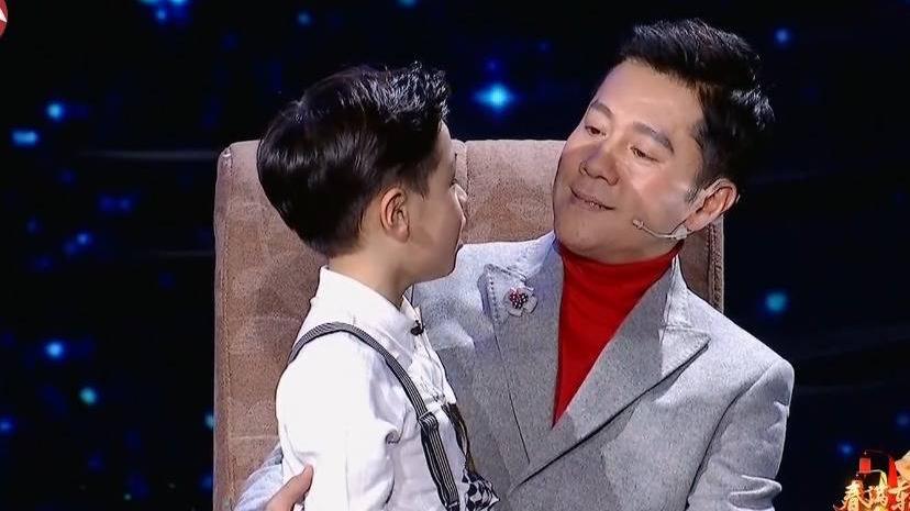 蔡国庆儿子稚嫩嗓音献唱《当你老了》感动全场观众泪湿眼眶