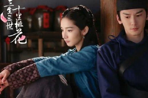 杨幂公司男演员被曝大尺度聊天记录,刚与同公司女星公开恋情