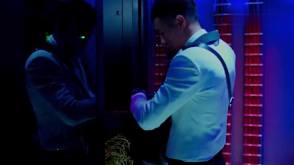 侠盗联盟:男子帮刘德华入侵系统删照片,居然还要美图,太皮了吧