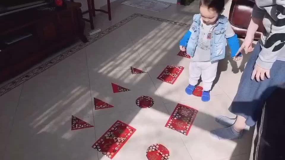 亲子互动攻略   影响宝宝认知发展的小游戏