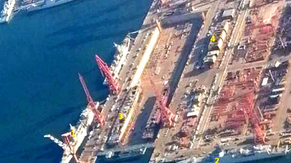 干船坞又有变化,首批8艘055同时开建?尹卓:每个航母编队配2艘