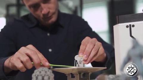 SolidMaker经济实惠的激光SLA 3D打印机