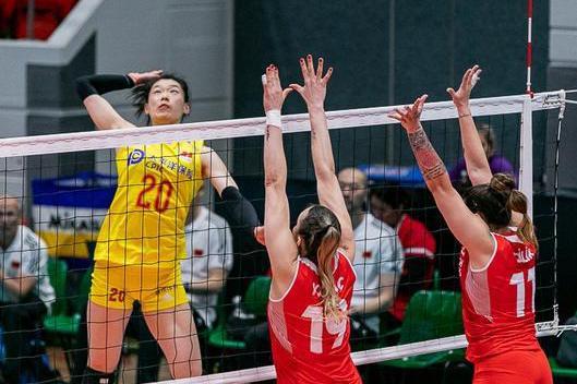 中土女排一战,意义大过前面三场小组赛,中国队年轻阵容输在哪?