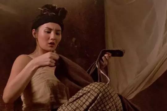 28年前的经典武侠片,张曼玉屋顶戏神来之笔,林青霞拍到眼膜破裂