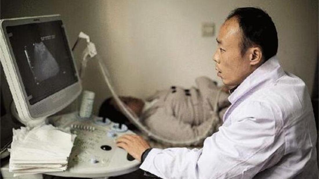43岁高龄女子备孕14年终于怀孕,孩子出生第4天,父母险些崩溃