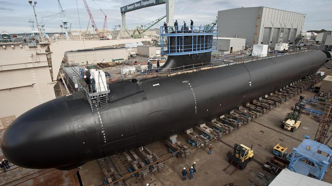 美海军喜签9艘核潜艇合同,美国人:除了躲避,对这两国无能为力