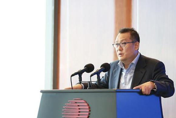 胡润百富榜上身价50亿,香港法院却因3000万美元欠债判其破产……