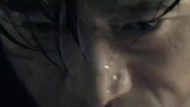 岳松打戏真是太帅,一个人大战数百人,最后全都躺在了地上!