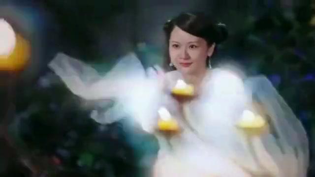 一幅画突然消失, 却飞出来一位白衣女子, 太美了