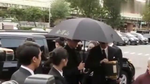高以翔告别仪式!焦俊艳再次发文悼念,仅仅9个字却看哭了好多人