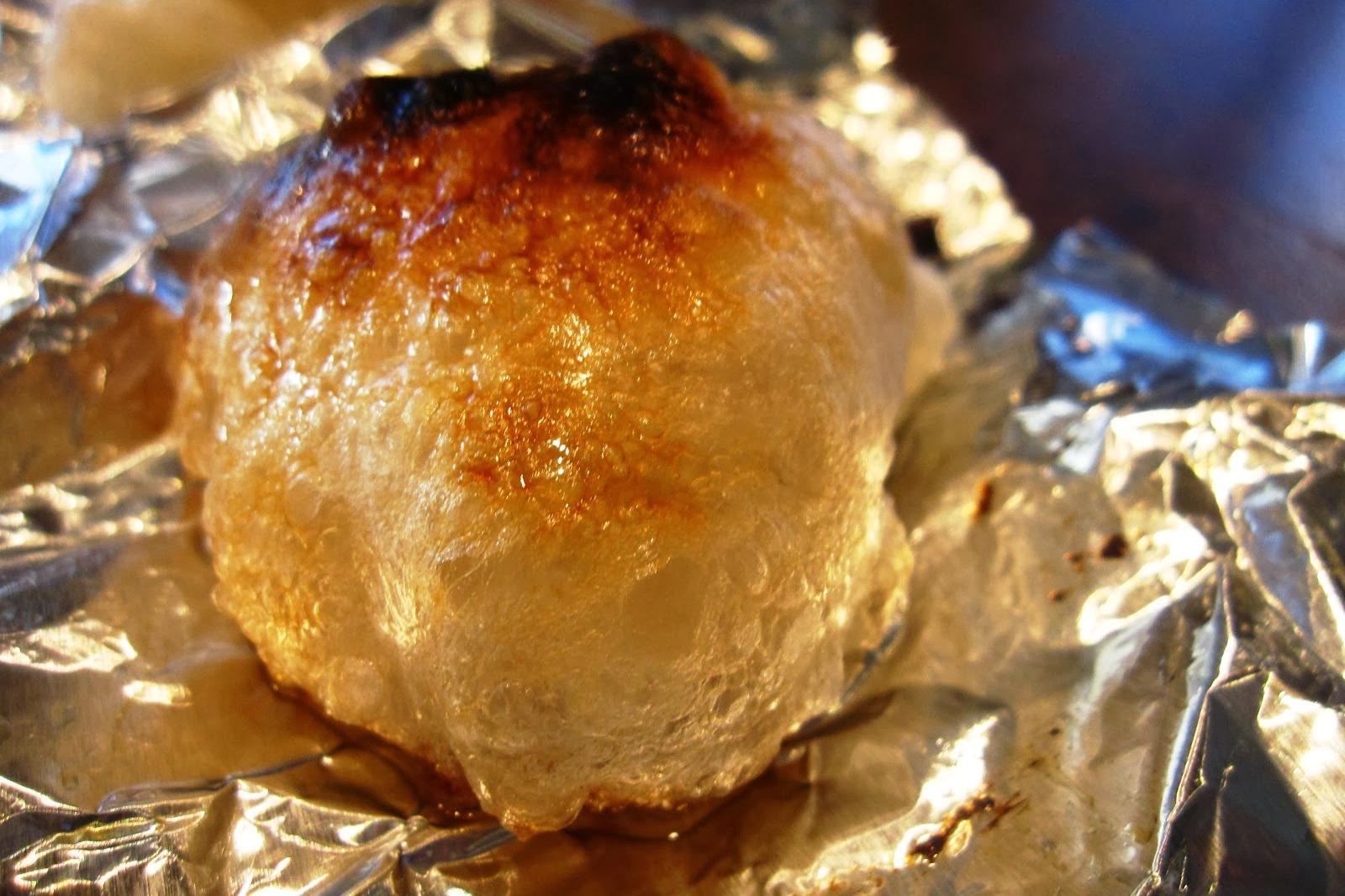 咸香滚烫的味噌汤,配着淡淡甜味、超弹牙的麻糬,真是简单又美味