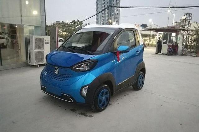买8万的Smart全家反对,买了这车,外形更拉风,价格才smart的1/3