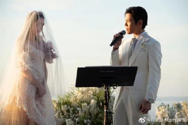 向佐发博晒婚纱照宣布结婚喜讯,甜蜜告白郭碧婷:谢谢小向太