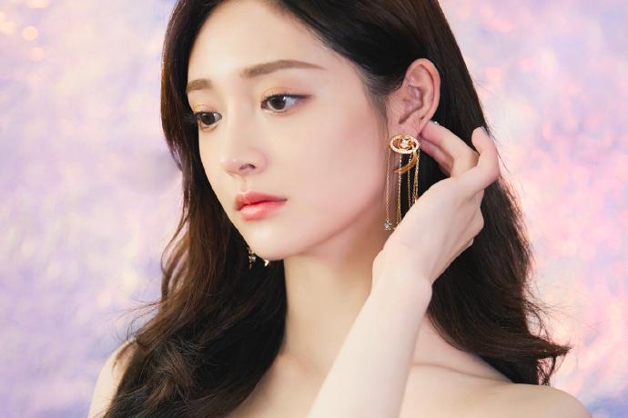 美女歌手女演员周洁琼迷人写真美照欣赏