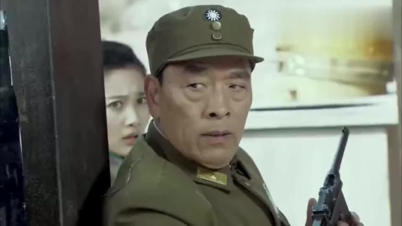 特工大战新四军高手,竟敢追杀国军司令员,一脚踢飞特工真惨