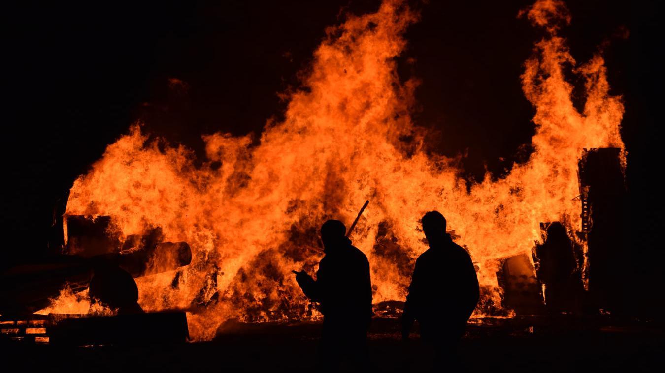 澳大利亚山火持续肆虐,为何政府迟迟不见动作,总理甚至在度假?