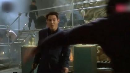 李连杰被问能否打过李小龙,他用十几字霸气回应,网友:太有底气