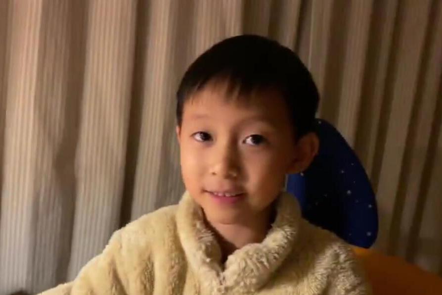 姚晨晒6岁儿子小土豆做发动机,自夸基因好,偷偷表白老公秀恩爱