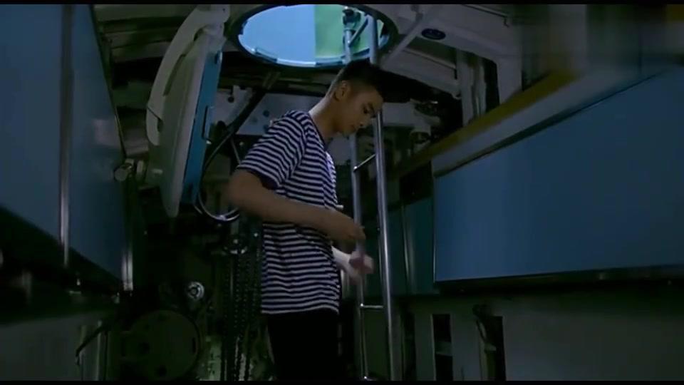 深海利剑:全军最强潜艇兵现在竟在修理厂,屈才啊!