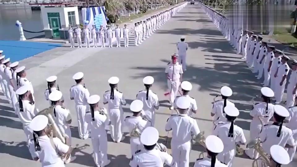 深海利剑:潜艇兵举行集体婚礼,太拉风了吧!