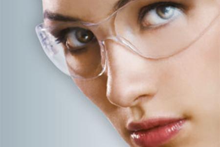 3D电影夯 带动隆鼻热潮