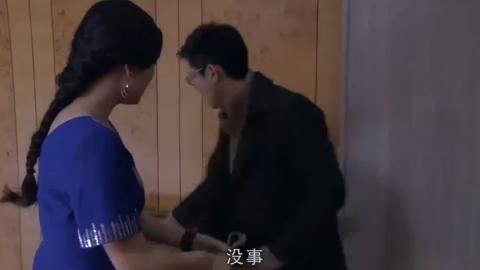 梅婷上班就呕吐,张萌叫她去买试纸,是不是怀孕了