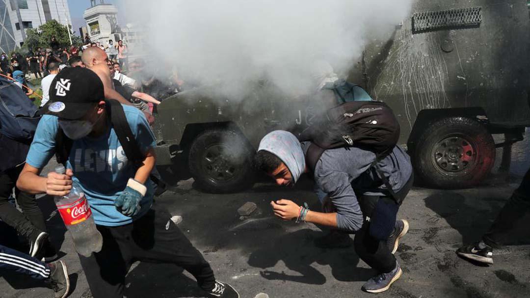 反地铁加价抗争激化智利,抗议已致8人遇难