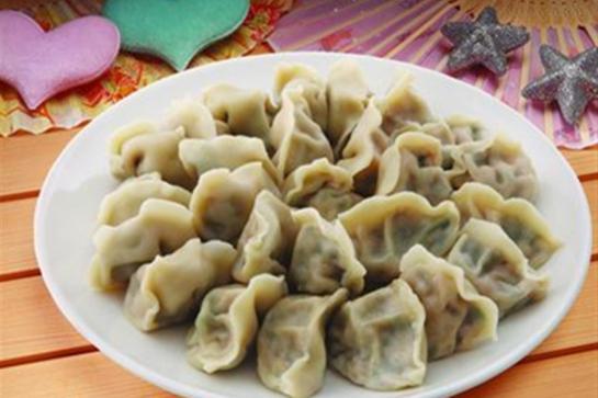 """许多人都不知道,饺子原名""""娇耳"""",是我国医圣张仲景首先发明的"""