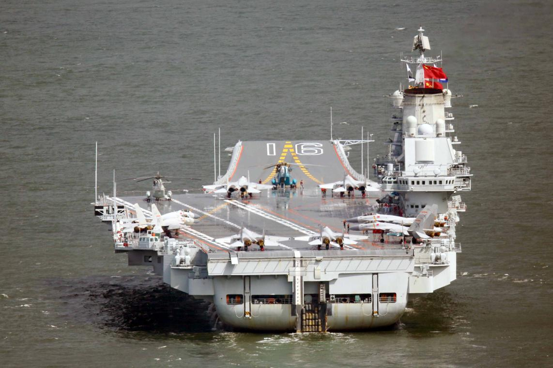 俄军司令登上辽宁舰后惊呆了,库兹涅佐夫号与它相比是天地之差