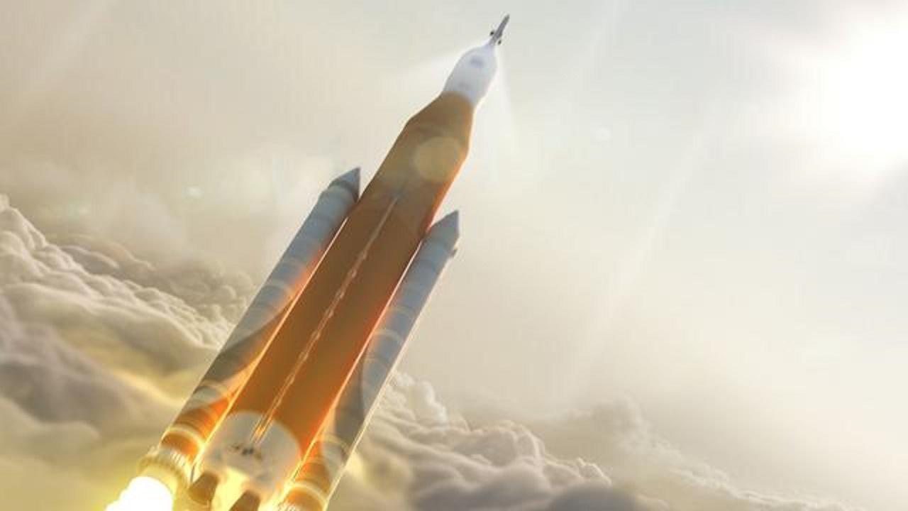 美国SLS运载火箭终于组装完成,却备受争议,航天专家:不现实