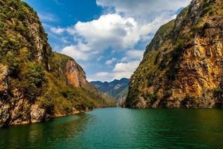 鲁布革三峡景区飞龙瀑布旅游开发项目签约仪式今日举行