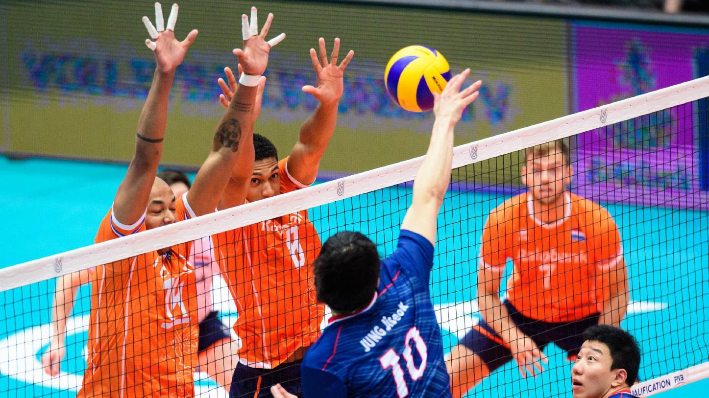 韩国男排内心是崩溃的~一场球被荷兰拦死了16次!