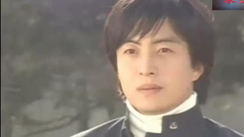 《冬季恋歌》裴勇俊和崔智友漫步白桦林,初恋的感觉好浪漫