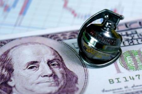 """若""""美元霸权""""崩溃,会对美国经济造成多大影响?"""