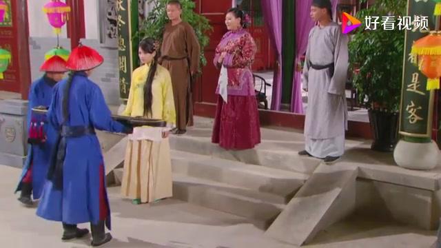 皇后赐下美女给弘历当琴师,万万没想到竟是黄玉娘,俩人真是有缘