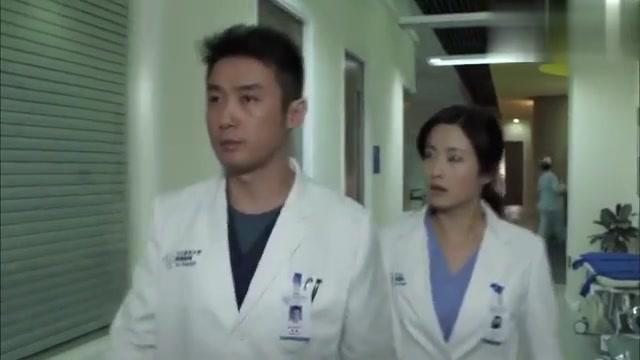 产科医生:何晶与肖程差距悬殊,一个县城医生,一个海归博士