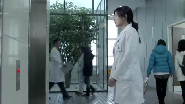 产科医生:朱医生粗心,没查出胎儿畸形,赵新一句指责激怒她