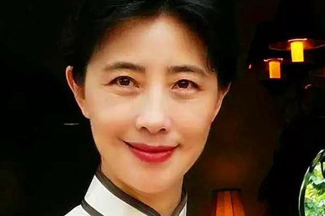 女书法家阚爱萍,楷书高古灵秀,在传统技法上融入魏晋风格