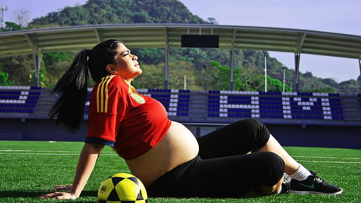 怀孕期间,这4件事孕妈尽量避免,宝宝出生后可能爱哭闹不好带