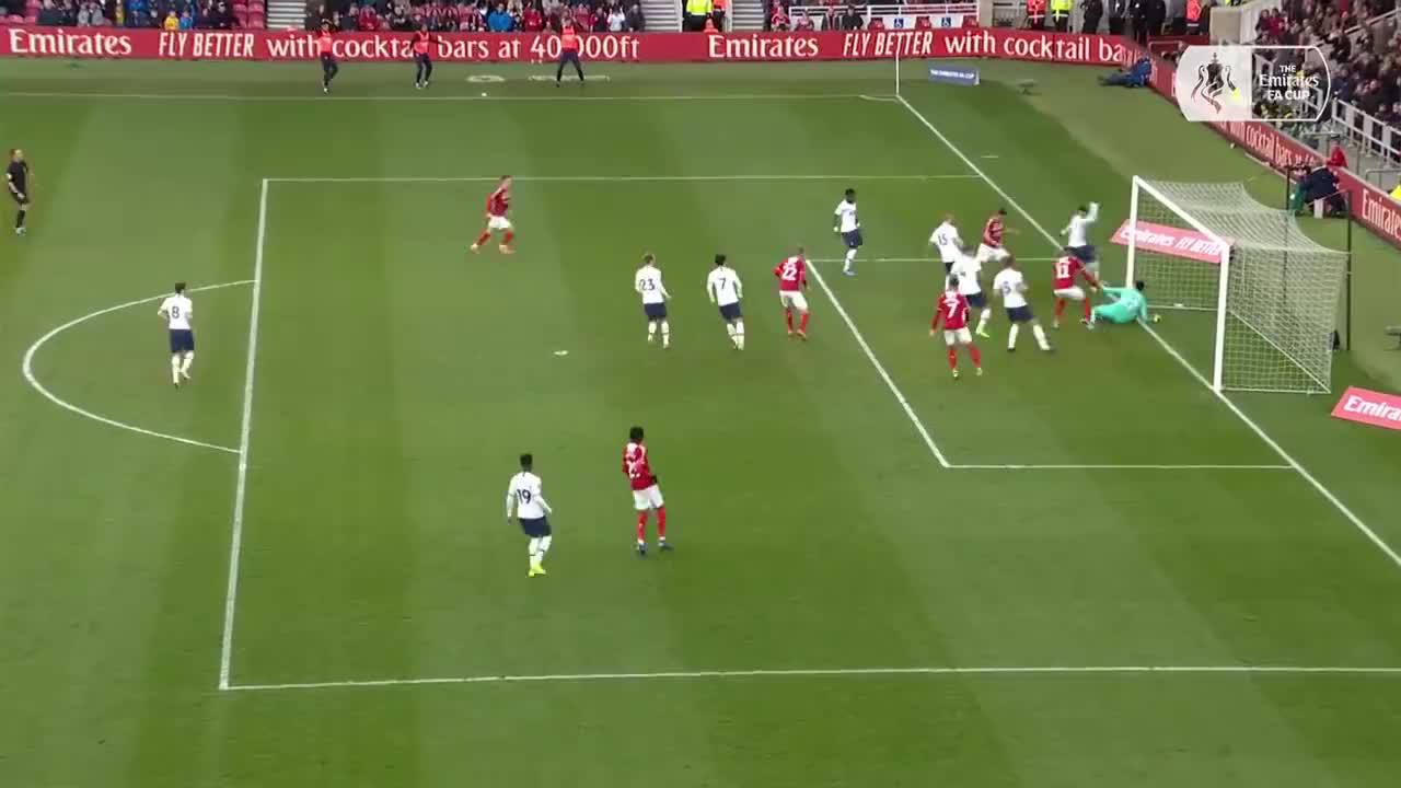 英冠球队米德尔斯堡顽强地1-1逼平了热刺